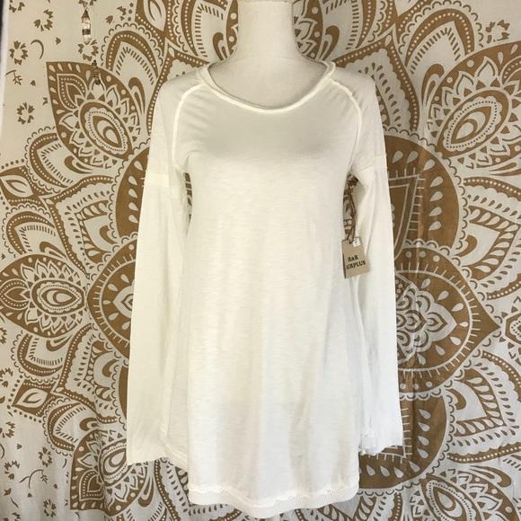 R+R surplus Tops - 🎀R+R Surplus cotton white flowy shirt s 💖